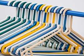 clothes-hangers-582212__180-1